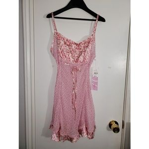 Sexy pink chemise